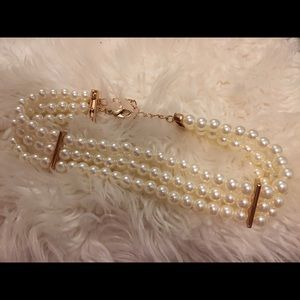 Forever 21 Jewelry - Pearl choker faux pearls forever 21 Ariana grande